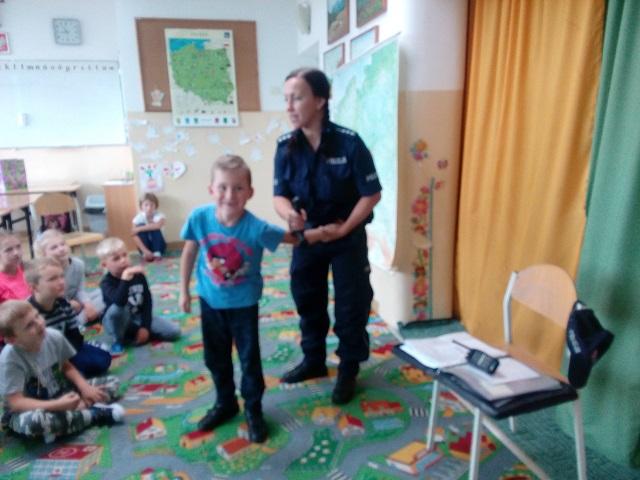 Zespół Szkół w Chorzelowie Spotkanie z policjantem