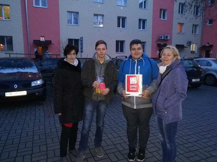 Zespół Szkół w Chorzelowie Grudniowe działania Szkolnego Koła Wolontariatu.