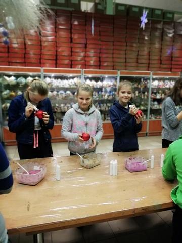 Zespół Szkół w Chorzelowie W fabryce bombek