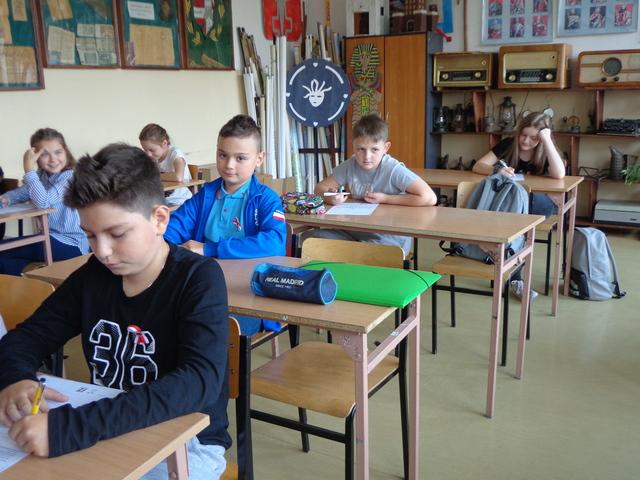 Zespół Szkół w Chorzelowie Dyktando Niepodległościowe