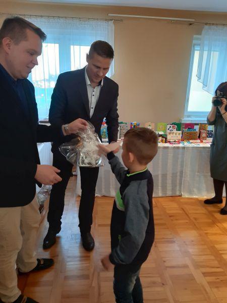 """Zespół Szkół w Chorzelowie  """"Bożonarodzeniowa kartka świąteczna"""""""