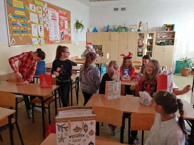 Zespół Szkół w Chorzelowie Mikołajkowy zawrót głowy