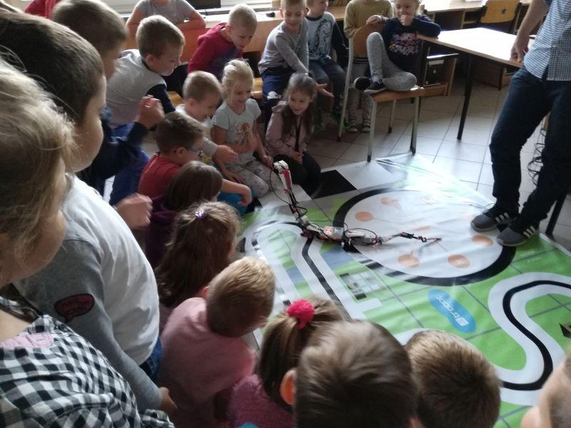 Zespół Szkół w Chorzelowie Zajęcia z robotyki w naszej szkole