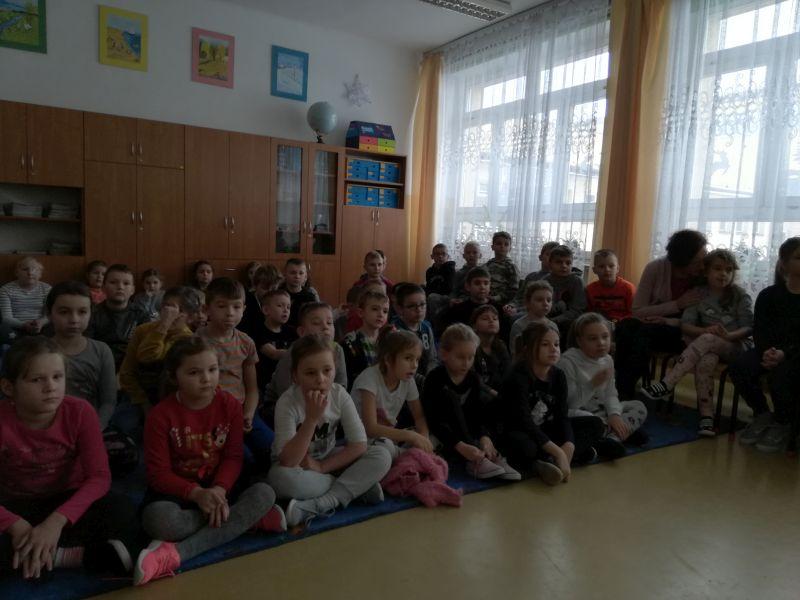 Zespół Szkół w Chorzelowie Czytamy ze Słodziakami