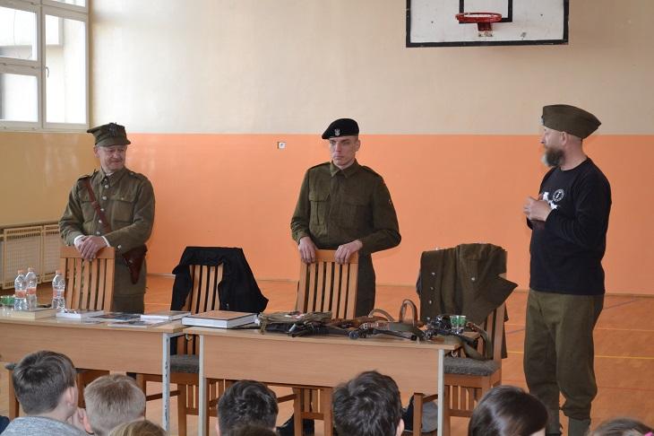 Zespół Szkół w Chorzelowie Żołnierze Wyklęci w naszej historii