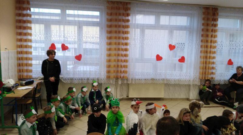 Zespół Szkół w Chorzelowie Ogłaszamy wszystkim wkoło - z Babcią, Dziadkiem jest wesoło