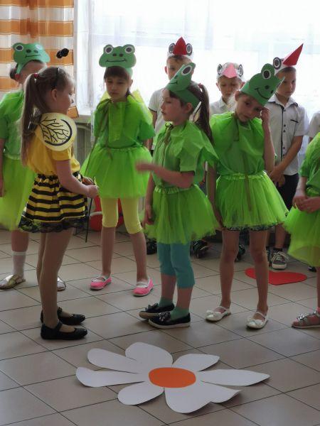 Zespół Szkół w Chorzelowie 'Cała łąka dla Mamy...'