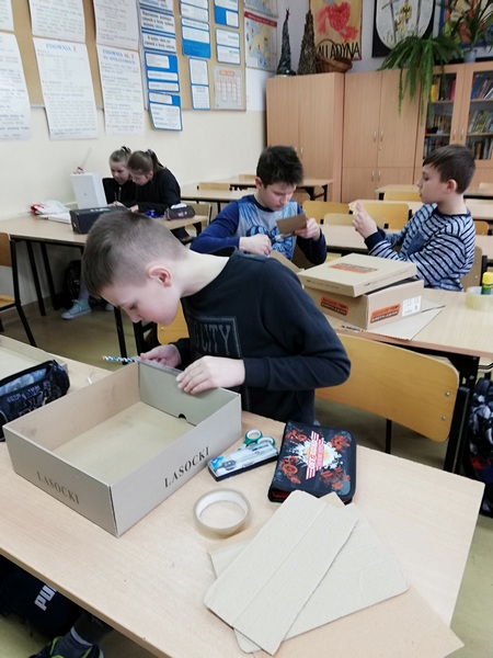 """Zespół Szkół w Chorzelowie Szkolne Koło Naukowe """"Wynalazcy"""""""