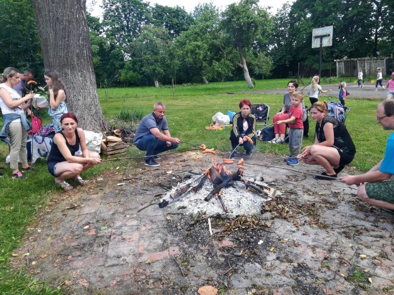 Zespół Szkół w Chorzelowie Rodzinny Piknik w klasie Ia