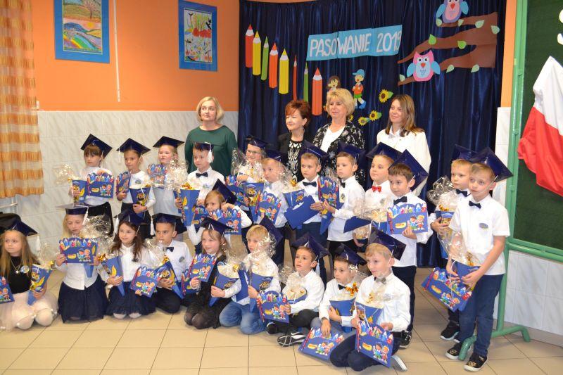 Zespół Szkół w Chorzelowie Uroczyste pasowanie na ucznia SP w Chorzelowie