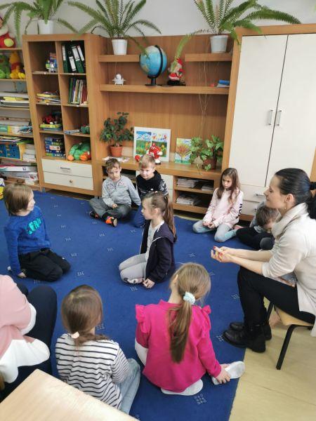 Zespół Szkół w Chorzelowie 'Książka przyjacielem człowieka'
