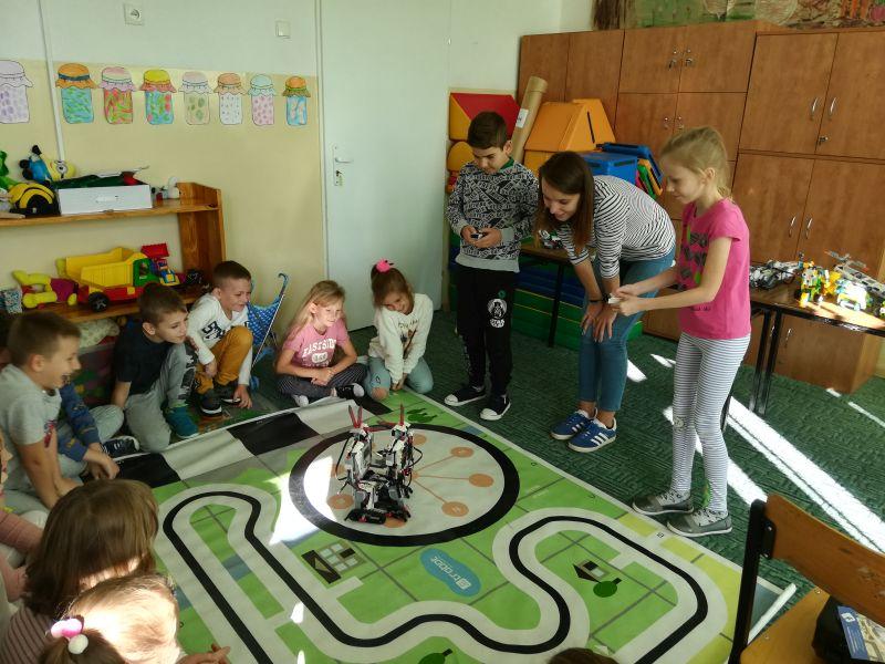 Zespół Szkół w Chorzelowie Spotkanie z robotyką