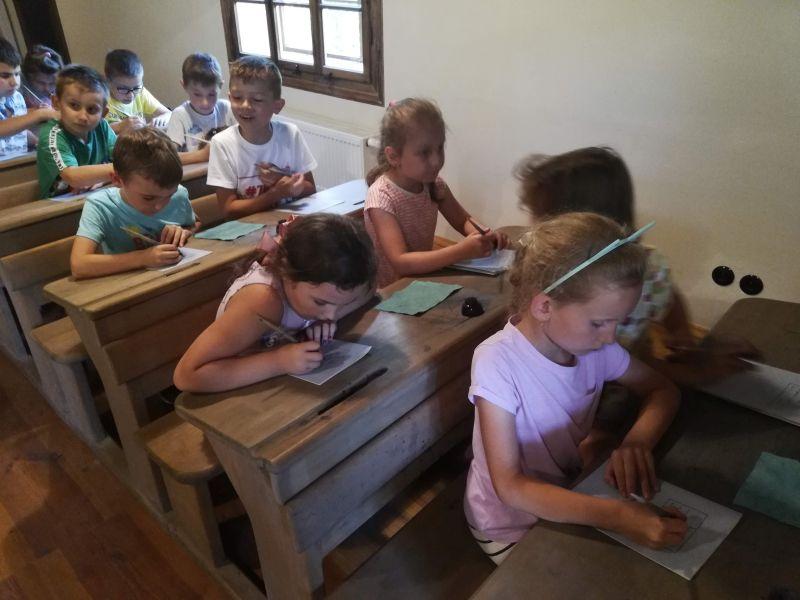 Zespół Szkół w Chorzelowie Wycieczka klas 0 - III do skansenu w Kolbuszowej