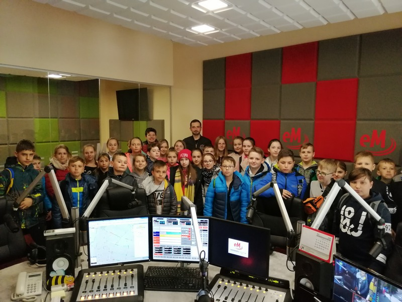 Zespół Szkół w Chorzelowie Wycieczka klas piątych w Góry Świętokrzyskie