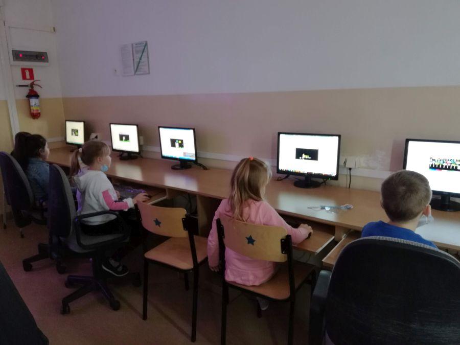 Zespół Szkół w Chorzelowie Europejski Tydzień Kodowania - #CodeWeek2020