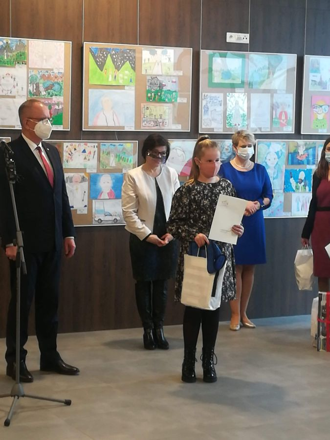 Zespół Szkół w Chorzelowie Mamy Laureatkę w Ogólnopolskim Konkursie o św.Janie Pawle II