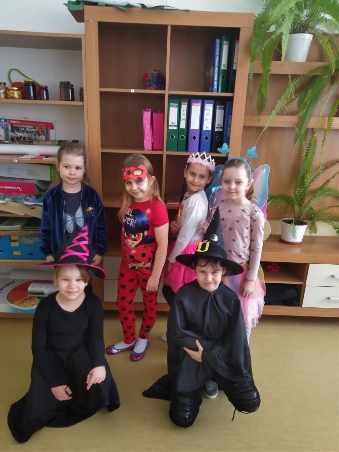 Zespół Szkół w Chorzelowie Balik Karnawałowy