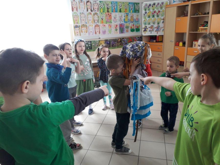 Zespół Szkół w Chorzelowie Powitanie wiosny 2021 w zerówce